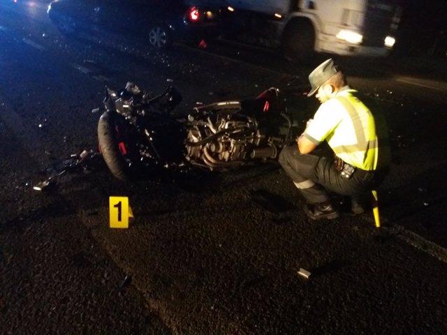 Accidente de tráfico en Curtis (A Coruña)