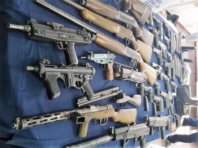 Armas intervenidas en una operaación en San Roque