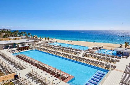 RIU abre su tercer hotel en Los Cabos, vigésimo de la cadena en México