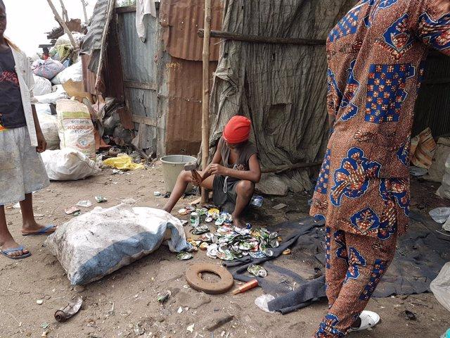 Niños Benin Africa, pobreza, Manos Unidas