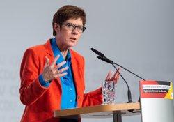 La successora de Merkel a la CDU assegura que no té cap intenció d'ocupar un càrrec en el Gabinet (SILAS STEIN/DPA)