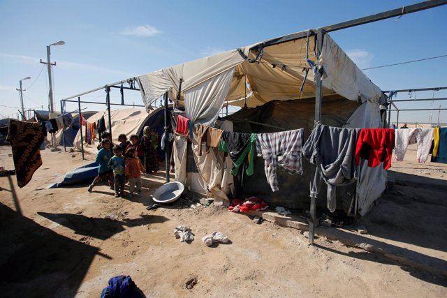 Niños desplazados en el campamento de Amriyat en Faluya
