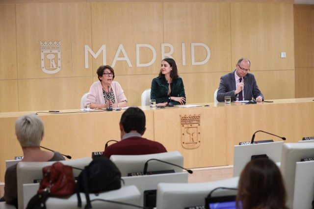 Rita Maestre E Inés Sabanés en rueda de prensa de Junta de Gobierno