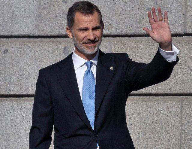 Rey Felipe y su corbata del día de la Constitución