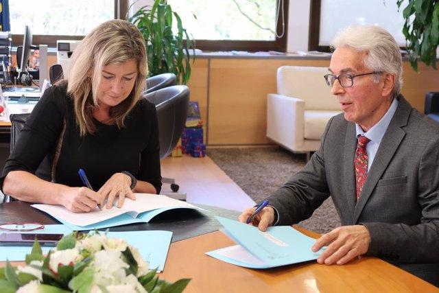 Consellera de Salud, Patricia Gómez, y presidente de Pro Nins, Sergio Verd