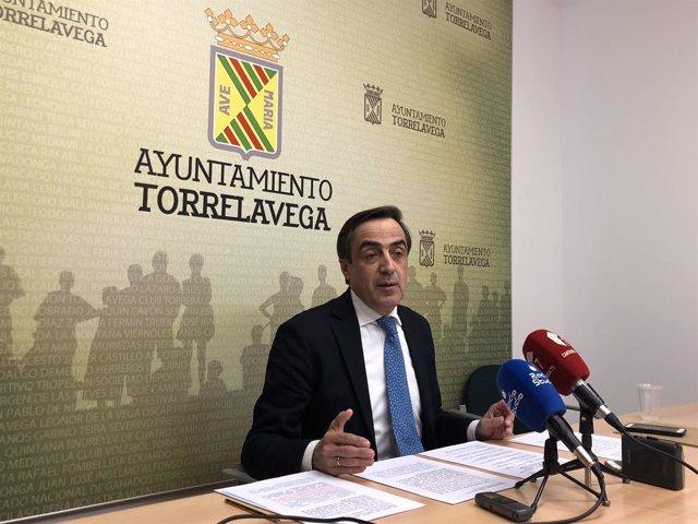 El diputado y concejal del PP, Ildefonso Calderón