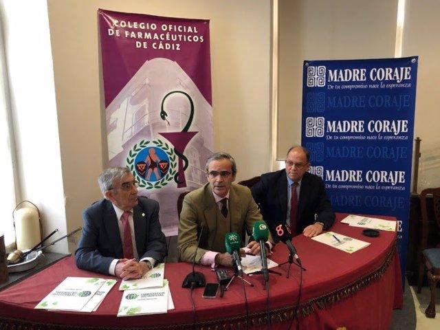 Firma del acuerdo entre Farmacéuticos Sin Fronteras y Madre Coraje