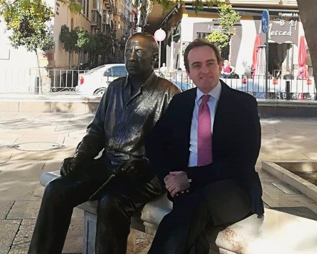 Lucas González  portavoz y jefe de prensa de la Representación de la CE  España