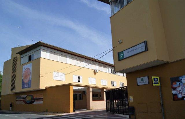 Ayuntamiento continuará con las actuacuones en las aulas afectadas.