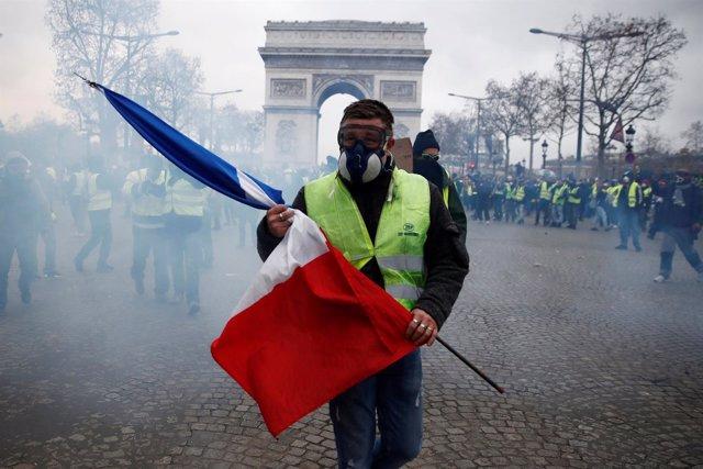 Disturbios por las protestas de los 'chalecos amarillos' en Francia