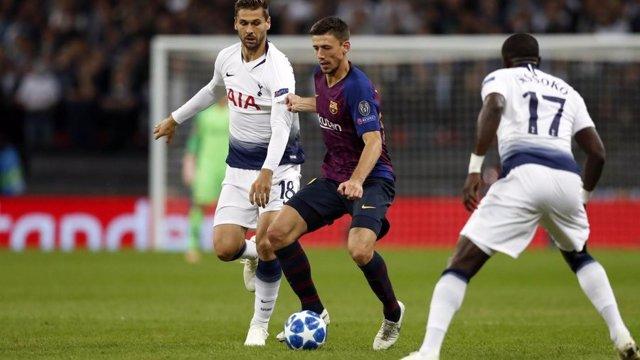 El jugador del FC Barcelona Clément Lenglet contra el Tottenham