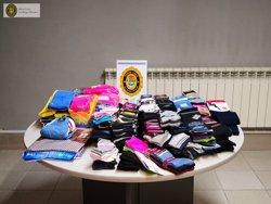 La Policia Local de les Borges Blanques intervé 286 articles de roba que es venien al carrer sense permís (ACN)