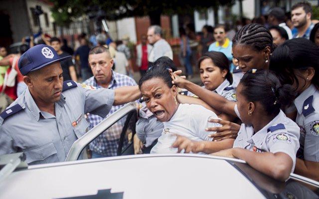 El Observatorio Cubano para los DDHH denuncia que 142 presos políticos pasarán la Navidad entre rejas