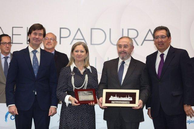 Rus, María Luisa Roldán, López Balbuena y Pulido en el acto