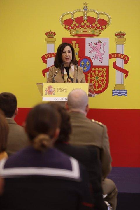 Robles intervé en l'acte de reconeixement de la feina de les Forces Armades