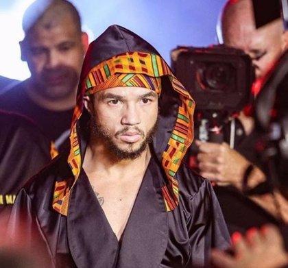 Patricio Manuel vence al mexicano Hugo Aguilar y se convierte en el primer boxeador transgénero profesional