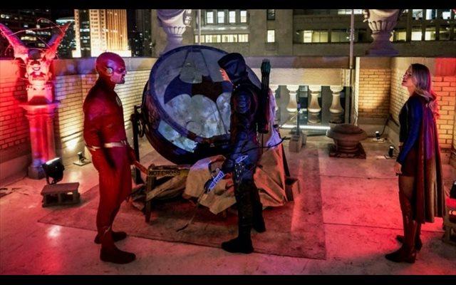 Elseworlds revela qué ocurrió con Batman en el Arrowverso