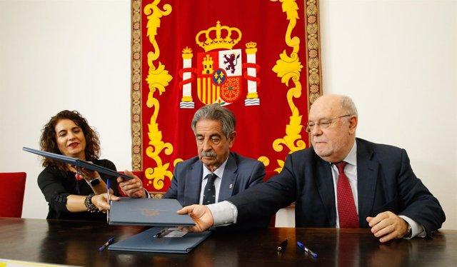 La ministra Montero y Sota firman el convenio de Valdecilla ante Revilla