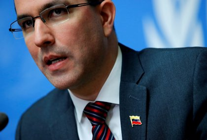 """Arreaza considera """"insólito"""" que Pompeo cuestione la cooperación en defensa de Venezuela con otros países"""