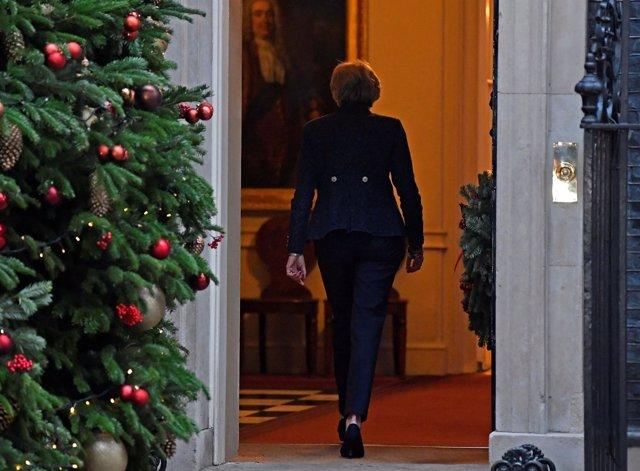 Theresa May entra en Downing Street