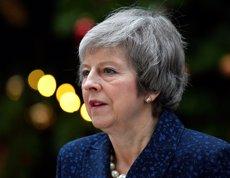 """May rebutja dimitir: """"Afrontaré la moció amb tot el que tinc"""" (REUTERS / TOBY MELVILLE)"""