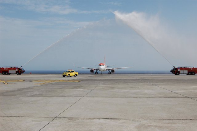 Vuelo inaugural Tenerife-Niza