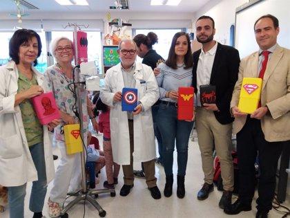 Carcasas de superhéroes decorarán los sueros de los niños ingresados en el hospital Santa Lucía