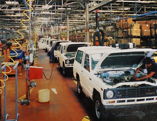 Montaje del Nissan Patrol en la planta de Barcelona 1983