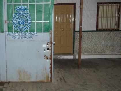 Seis detenidos en Sevilla por extorsionar a una familia para que les entregara su casa por una deuda