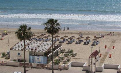 """Junta recuerda que la cesión de los chiringuitos en Cádiz """"está cerrada"""" y ve """"excesivo"""" que se recurra a la vía penal"""