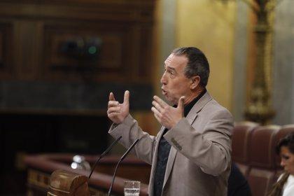"""Compromís rechaza el 155 y pide diálogo en Cataluña frente a los """"monólogos"""" y los """"pirómanos"""""""