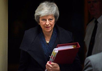 May rehúsa aclarar cuándo someterá a votación parlamentaria el acuerdo del Brexit