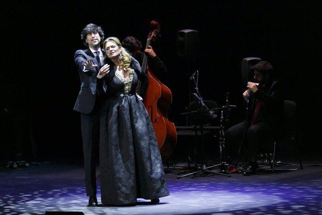 Ainhoa Arteta y Manuel Lombo con la gira '¡Que suenen con alegría!'