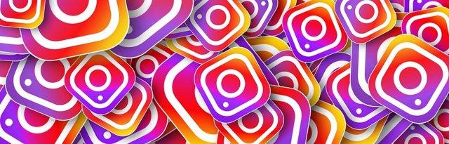 Imagen con muchos logotipos de Instagram