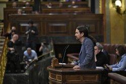 Pablo Iglesias carrega contra Casado i Rivera: