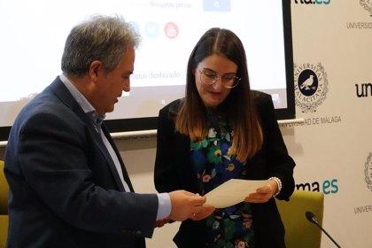 Verónica Membrive recoge el premio George Campbell del Aula María Zambrano de Estudios Trasatlánticos UMA-Atech