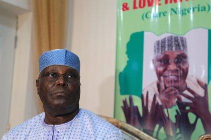 El opositor Atiku Abubakar firma el 'acuerdo de paz' de cara a las presidenciales de 2019 en Nigeria