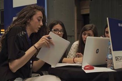 Más de 130 jóvenes de Baleares participan en el programa educativo de simulación empresarial 'Young Business Talents'