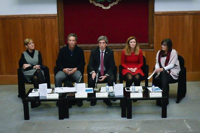 Presentación del informe en el Colegio de Médicos de Madrid