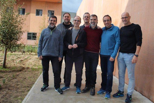 Dirigentes independentistas encarcelados en el centro penitenciario de Lledoners