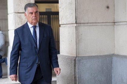 Defensa de Viera alega indefensión al no ser juzgados los 6.000 beneficiarios de las ayudas de los ERE