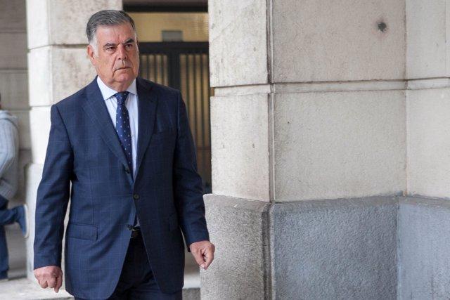 José Antonio Viera llega a la sesión del juicio de los ERE en la Audiencia