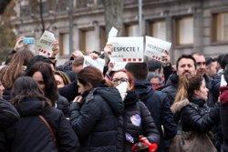Mig miler de mossos tallen la Gran Via per desbloquejar l'equiparació salarial amb els Bombers de la Generalitat (ACN)