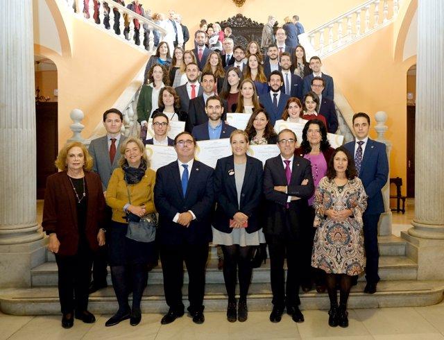 Entrega de los premios del Ayuntamiento de Sevilla a mejores expedientes