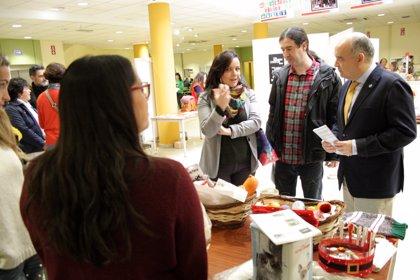 Una veintena de ONGs y asociaciones participan en la Feria del Voluntariado de la Universidad de Jaén