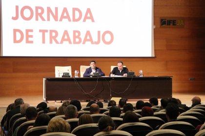 """Reyes asegura que el PSOE no renuncia a ninguna alcaldía """"y menos a la de Jaén capital"""""""