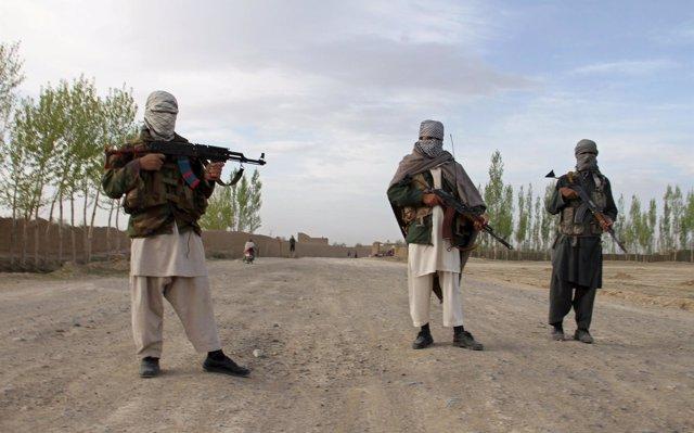 Los talibán toman un distrito en el oeste de Afganistán tras la retirada de las fuerzas de seguridad