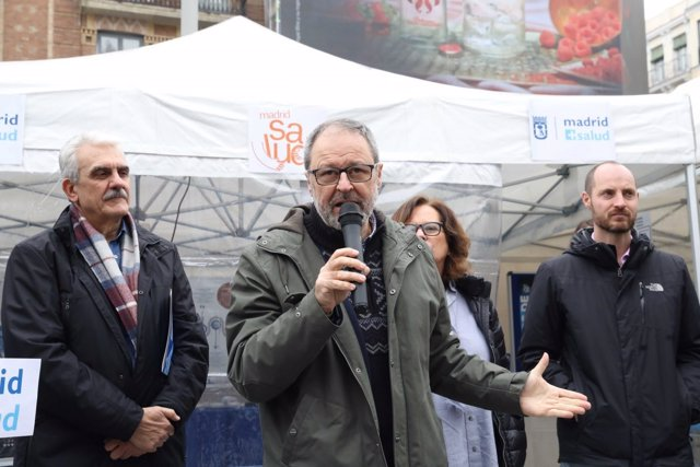 El delegado Javier Barbero durante el acto