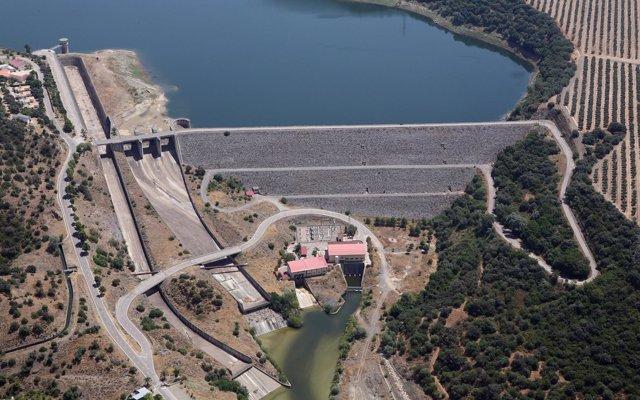 PP, PSOE y Podemos coinciden en que las nuevas concesiones hidroeléctricas reviertan ingresos en municipios