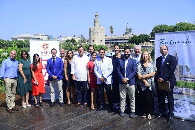 Asamblea de los empresarios turísticos